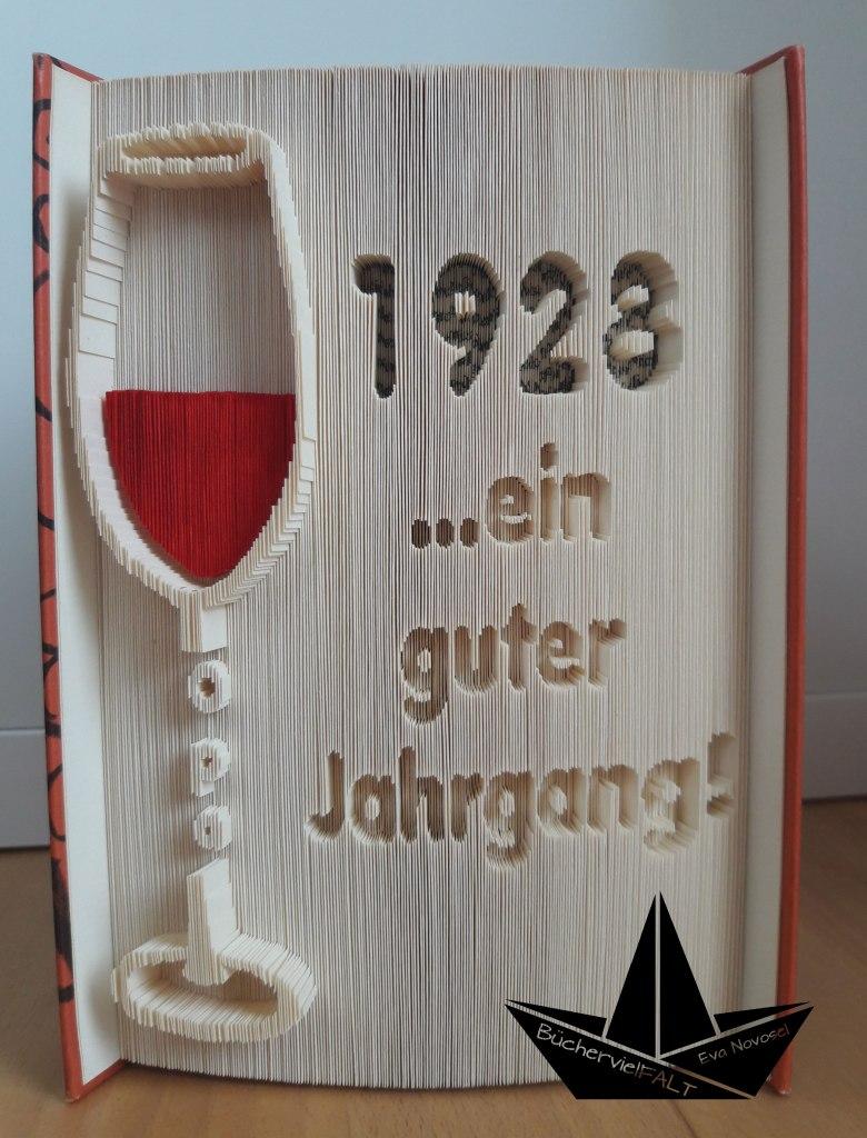 gefaltetes Buch Weinglas - Ein guter Jahrgang
