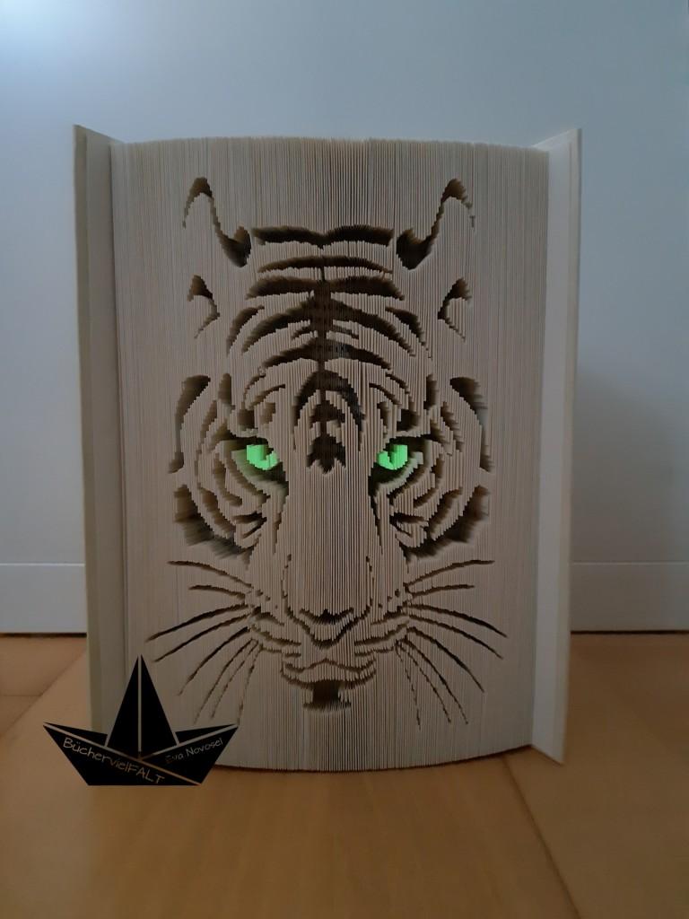 gefaltetes Buch Tiger mit fluoriszierenden Augen